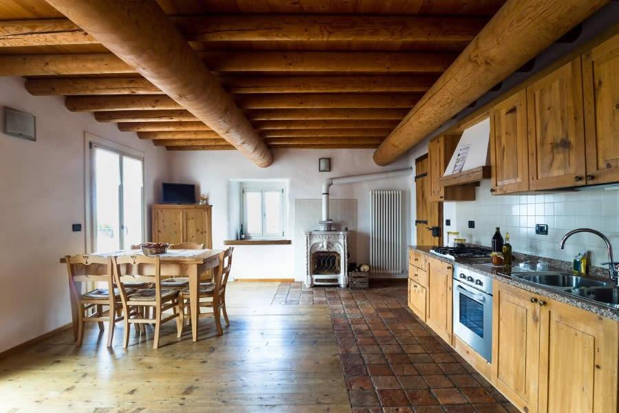 vecchio-borgo-appartamento-marroni